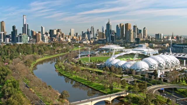 パントの道橋、ヤラ川、メルボルン、ビクトリア, オーストラリア - オーストラリア メルボルン点の映像素材/bロール
