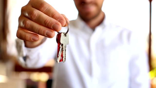 vídeos de stock e filmes b-roll de purchase key - chave