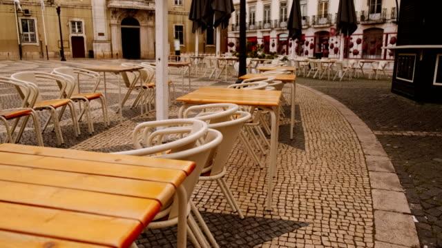 vídeos de stock e filmes b-roll de coronavirus / covid-19 puts europe in lockdown - esplanada portugal