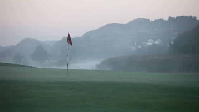 Putting Green in fog video