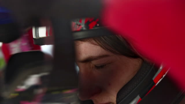 HD: Putting On Mountain Bike Goggles video