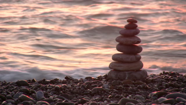 pyramid on beach video