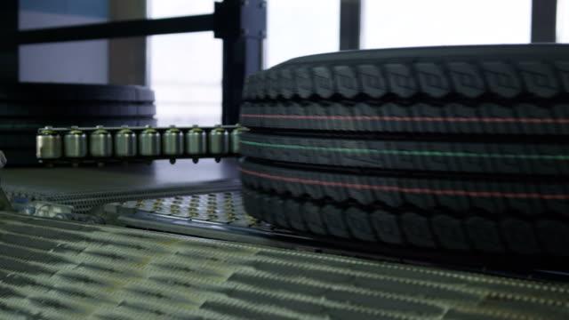 kvalitativt däck med märken på skydd närbild - wheel black background bildbanksvideor och videomaterial från bakom kulisserna