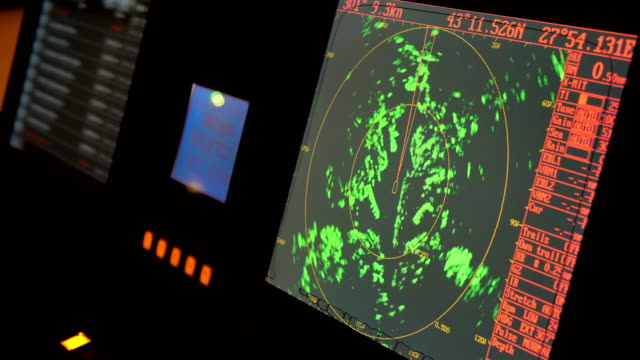 vídeos de stock e filmes b-roll de radar monitor in a ship. - navio
