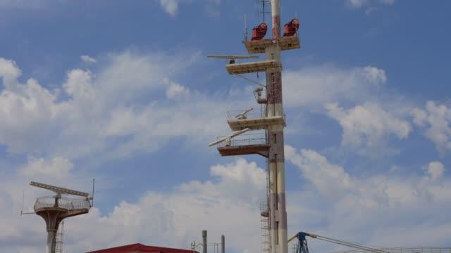 radar gira digitalização contra o céu - vídeo