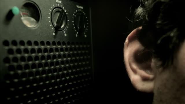 Radio, altavoz, oido, escuchar video