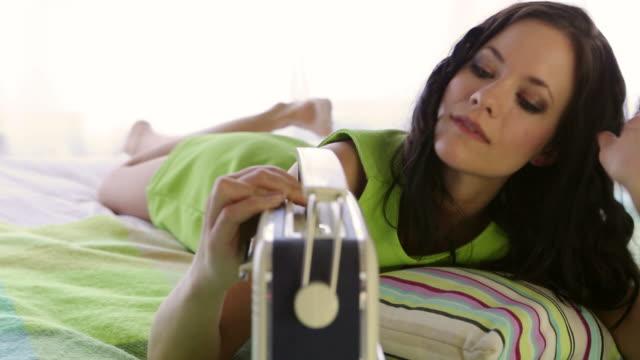 Radio bed        LI RE video