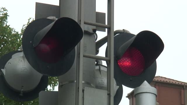 (HD1080i) Railway Crossing Bells and Flashing Lights video
