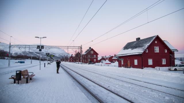 tågstationen i abisko nationalpark, sverige - norrbotten bildbanksvideor och videomaterial från bakom kulisserna