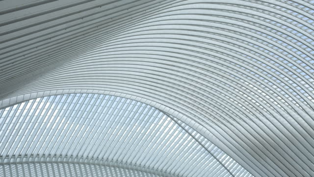 vídeos de stock, filmes e b-roll de estrada de ferro estação arquitetura moderna liège-guillemins, bélgica, lapso de tempo - característica arquitetônica