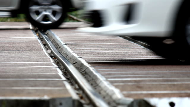 stockvideo's en b-roll-footage met railway traffic - dwarsweg