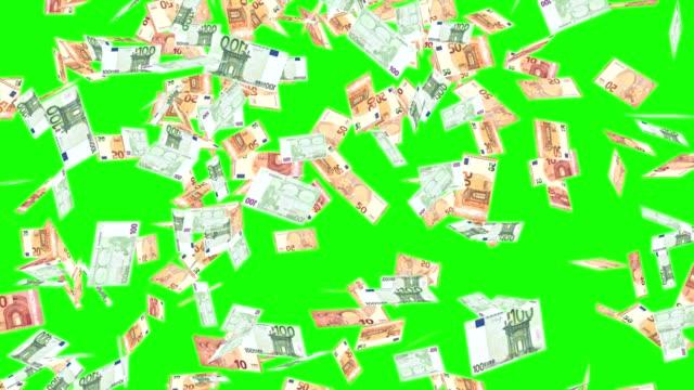 rain of euro banknotes on the green screen - valuta dell'unione europea video stock e b–roll