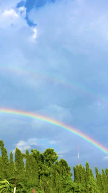Rainbow video