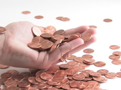 vídeos y material grabado en eventos de stock de ntsc: el rastrillaje en el dinero - accesorio financiero