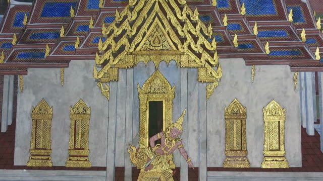 Ramakien painting in Temple of Emerald Buddha video