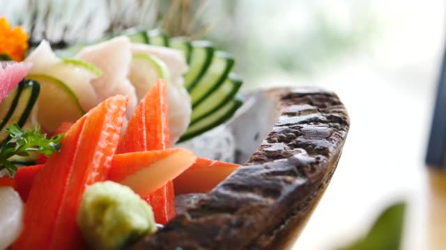 生の新鮮な刺身 - 和食スタイル ビデオ