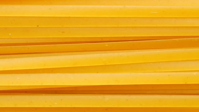 raw spaghetti pasta macro top view video