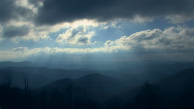 Rays of Light Over Blue Ridge Mountains 1011-31 video