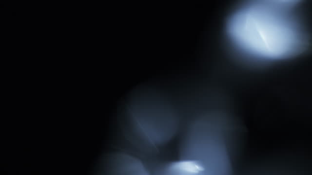riktiga lins facklor och ljus läckor - intoning bildbanksvideor och videomaterial från bakom kulisserna