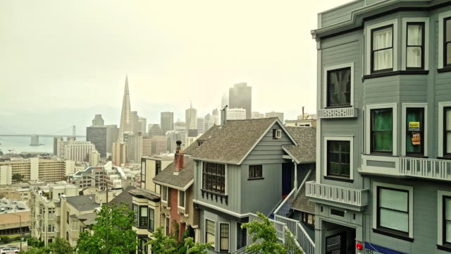 real time video of san francisco downtown - appartamento video stock e b–roll