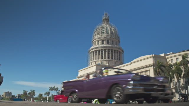 Real time video of traffic cars in Havana with Capitol building in the background