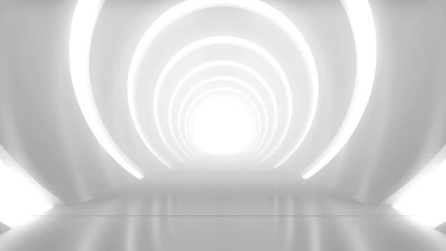 реалистичная архитектура яркой студии с камерой двигаться вперед. медленная ходьба по чистой и пустой трубе. творческий футуристический т� - abstract architecture стоковые видео и кадры b-roll