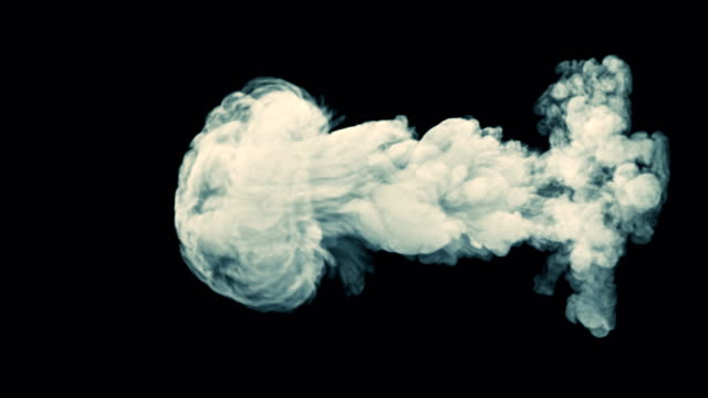 vídeos de stock, filmes e b-roll de explosão de explosão de fogo realista isoladas no fundo preto com canal alfa - cúmulo