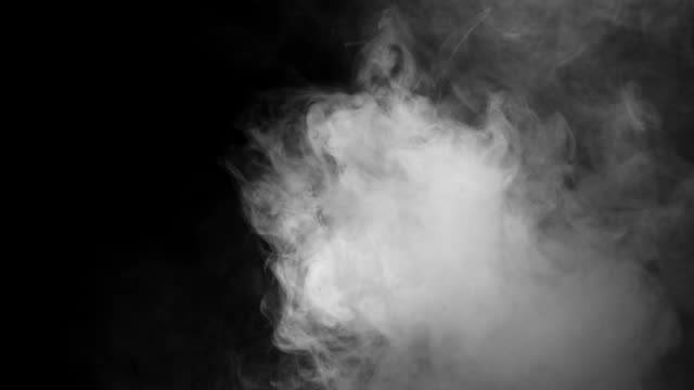 vídeos de stock e filmes b-roll de realistic smoke clouds with alpha channel dry ice smoke storm atmosphere fog - vapor