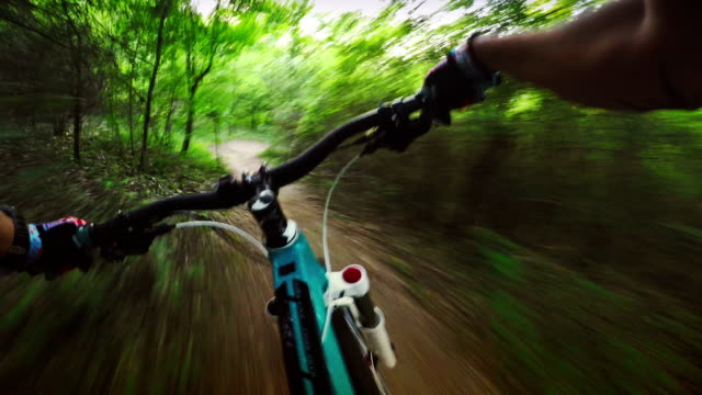 Really fast mountainbike ride in the forest video