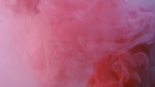 赤とピンクの煙 - ピンク色点の映像素材/bロール