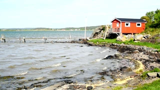 röd stuga vid havet - summer sweden bildbanksvideor och videomaterial från bakom kulisserna
