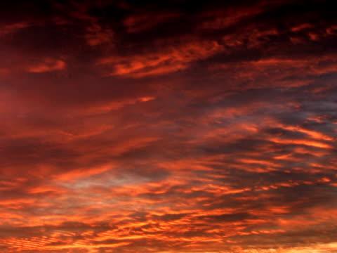 pal : レッドの雲 - 層積雲点の映像素材/bロール