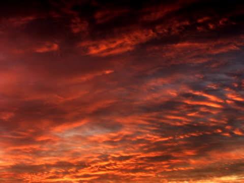 ntsc : レッドの雲 - 層積雲点の映像素材/bロール