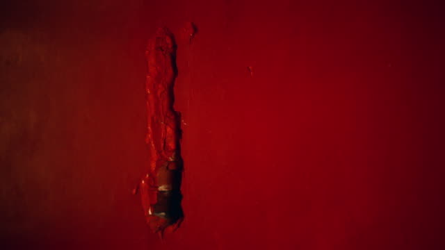 vídeos de stock e filmes b-roll de red, cracked wall. close up - concrete wall interior