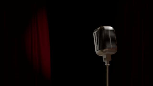 Roter Vorhang öffnen mit Retro Mikrofon – Video