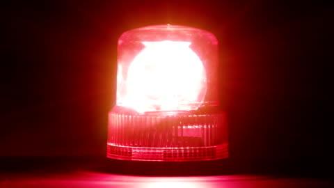 vídeos y material grabado en eventos de stock de hd-de emergencia rojo intermitente - rojo