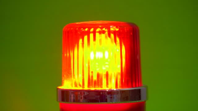 röd nödsirenlampa roterande i chroma key - fara bildbanksvideor och videomaterial från bakom kulisserna