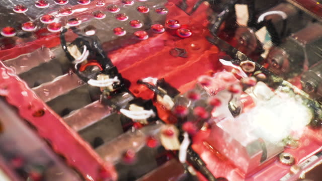red engine oil inside machine - lega metallica video stock e b–roll