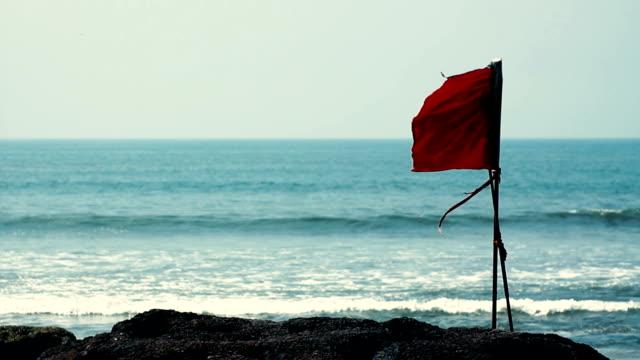 red bandiera  - proibizione video stock e b–roll