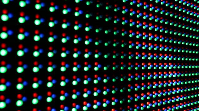 vídeos de stock, filmes e b-roll de vermelho verde azul pontos rgb led display - led