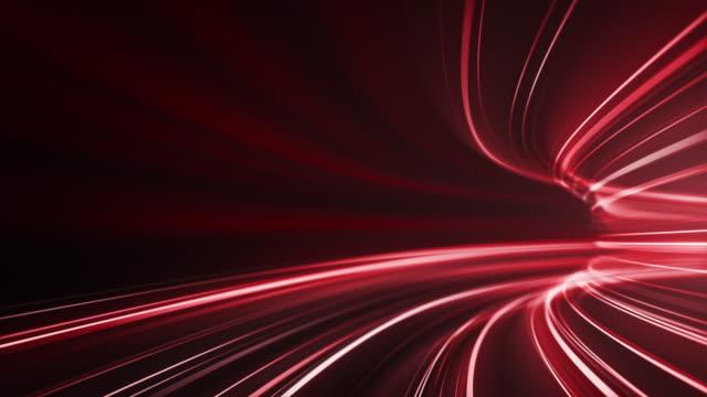赤い高速光の縞の背景 - 抽象的なデータ転送、サイバーセキュリティ - ループ可能 - 陸の乗り物点の映像素材/bロール