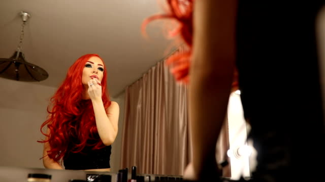 red lady - rossetto rosso video stock e b–roll