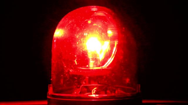 rosso luce girevole - censura video stock e b–roll