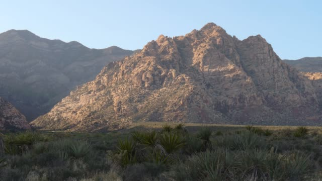 red rock canyon las vegas nevada, panorama view - red rock canyon national conservation area video stock e b–roll