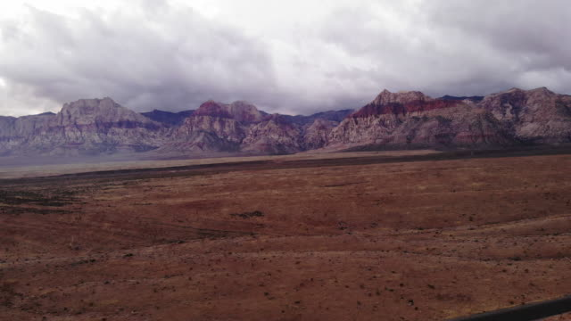 red rock canyon state park aerial - parco statale del red rock canyon video stock e b–roll