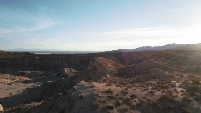 red rocks canyon state park, california - aerial view - parco statale del red rock canyon video stock e b–roll