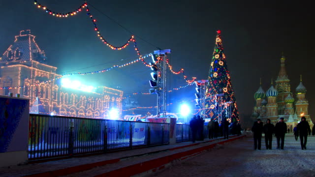 red square at winter night. - kreml bildbanksvideor och videomaterial från bakom kulisserna