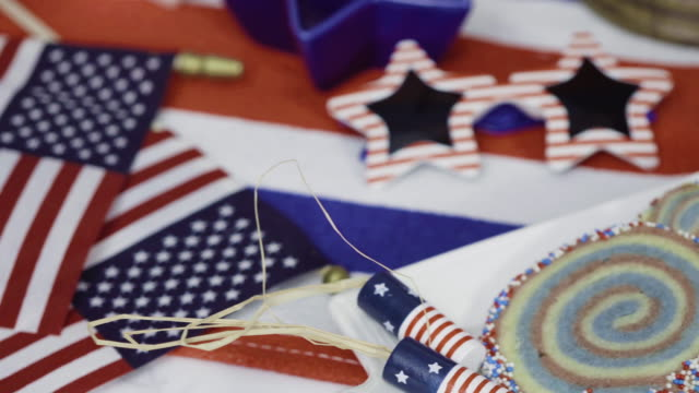 red, white, and blue cake and pinwheel cookies - arredamento video stock e b–roll