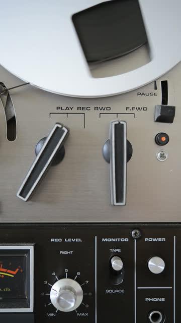 bobina a bobina hd - bobina apparecchiatura di registrazione del suono video stock e b–roll