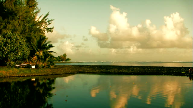 Reflection timelapse in Tahiti video